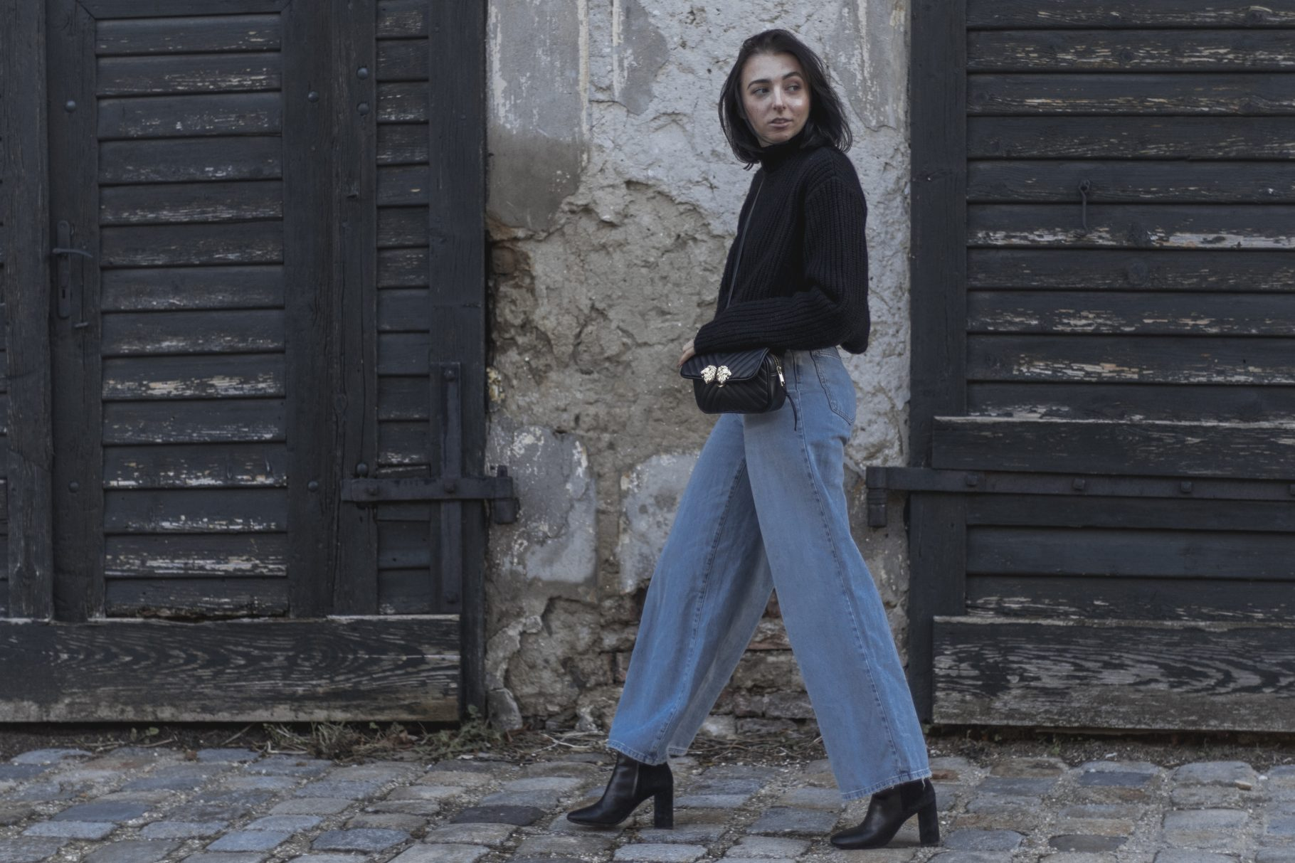 Outfit: Wide Leg Jeans
