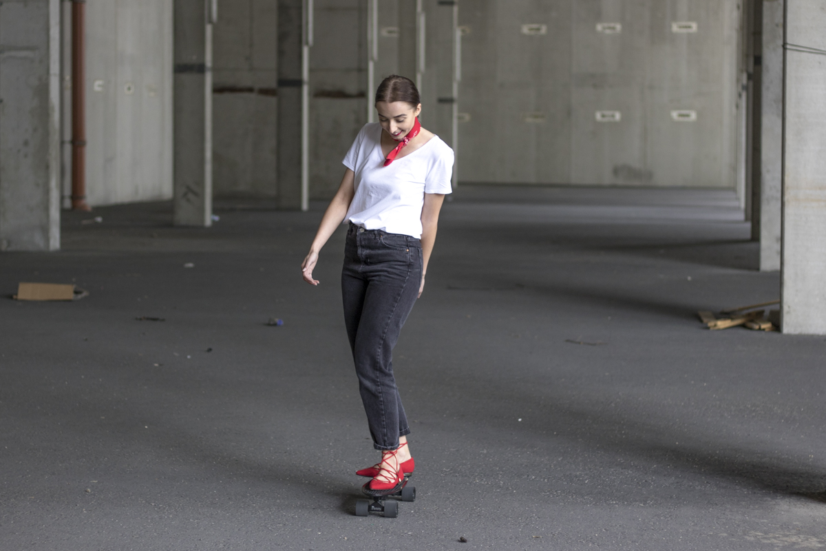 Outfit: Red Lips and a Skateboard